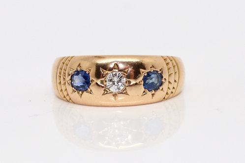 A Pretty Antique Victorian C1892 18ct Gold Diamond & Sapphire 3 Stone Band Ring