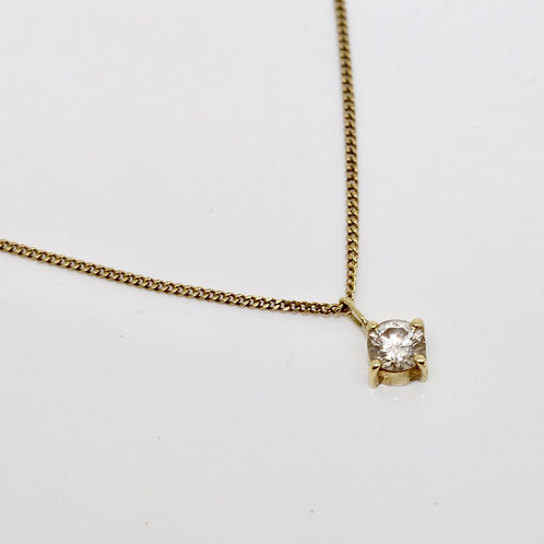 A Stunning 14ct Yellow Gold 0.30ct Diamond Pendant with 14ct Gold Chain
