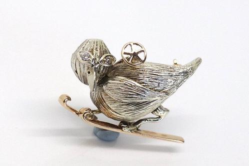 A Really Cool Vintage C1970 Heavy 9ct Gold Diamond Skiing Bird Novelty Brooch