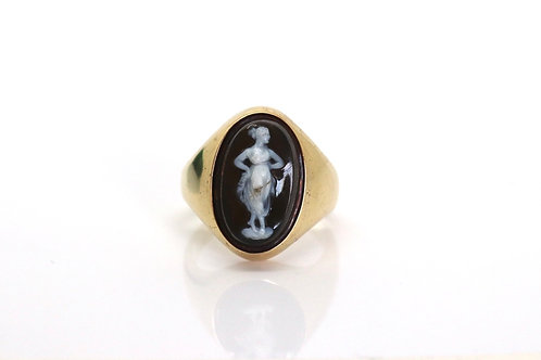 A Nice Large Heavy Antique Victorian 18ct Yellow Gold Hardstone Cameo Ring