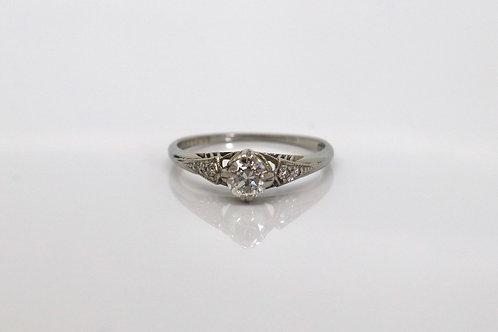 A Superb Antique Art Deco 18ct White Gold Plat 0.33ct Diamond Solitaire Ring