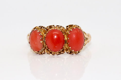 A Stunning Antique Victorian C1890 12ct Rose Gold Coral Three Stone Ring
