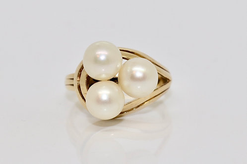 A Statement Vintage 14ct 525 Yellow Gold Mikimoto Cultured Pearl Cluster Ring