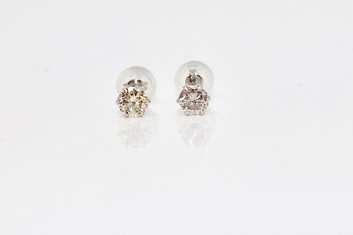 A Quality Pair of Platinum 900 0.50ct TCW Diamond Stud Earrings