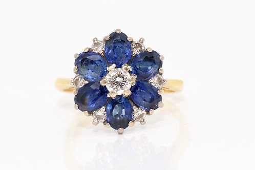 A Fine Vintage 18ct Yellow Gold 0.25ct Diamond & Sapphire Cluster Ring