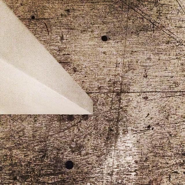 Instagram - 20年物の傷、染みです。アトリエの床。 #床#傷#染み#Floor#Scratch#Stain