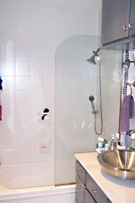 Frameless Glass Tub Spray Panel - Noble Shower Doors