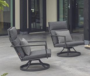 Maroon Relaxstoelen.jpg