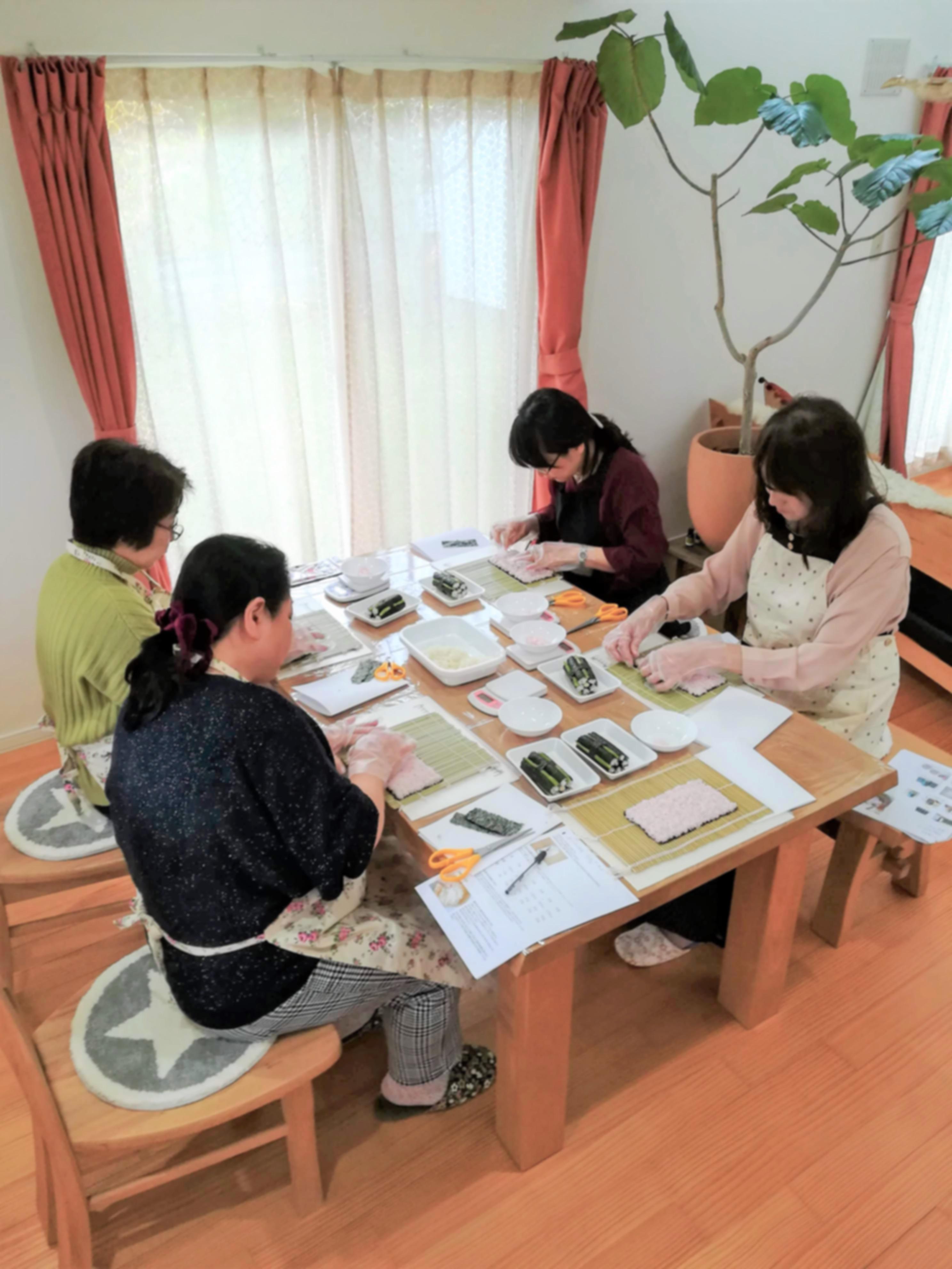 飾り巻き寿司インストラクター、資格取得、札幌、起業、起業女子、自宅開業、サロネーゼ、インストラクター、認定講師、飾り巻き寿司、巻き寿司、巻き寿司教室、巻き寿司教室デザイン、