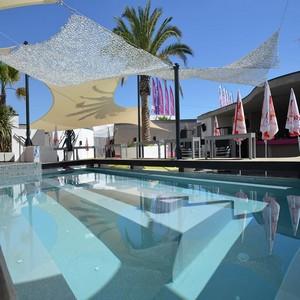 - Glamour Beach Club -
