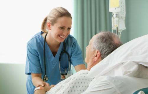 Infirmière en CHSLD | Institut de formation 100-T