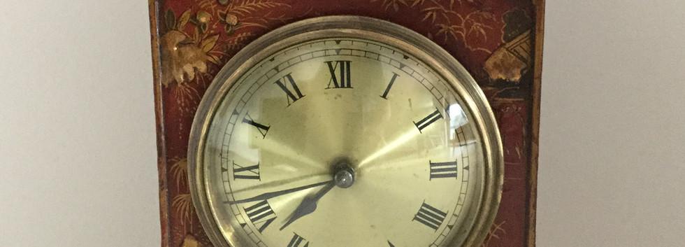 Red Chinoiserie Pagonda Top Clock