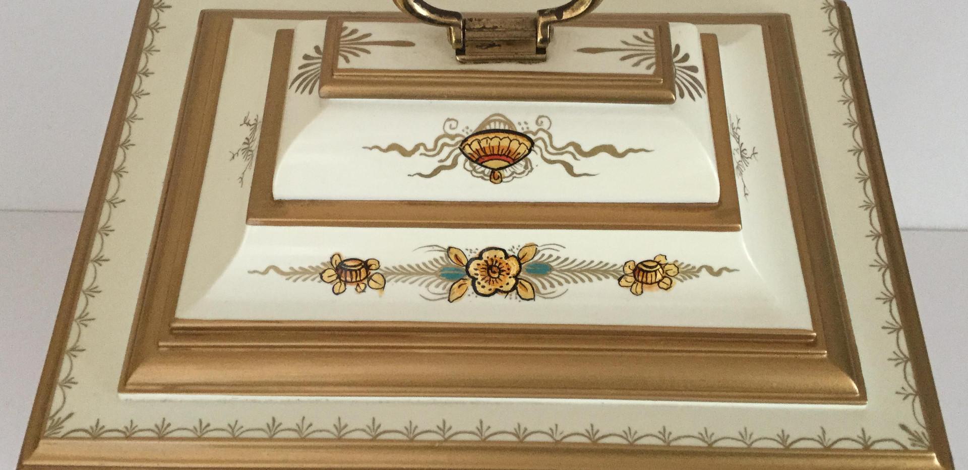 Cream Chinoiserie Clock