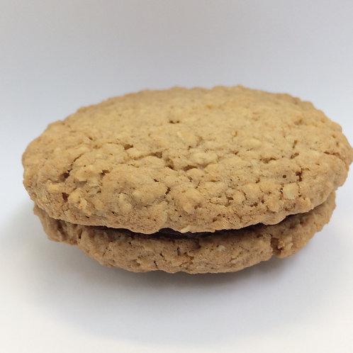 Oat & Date Sandwich Cookie