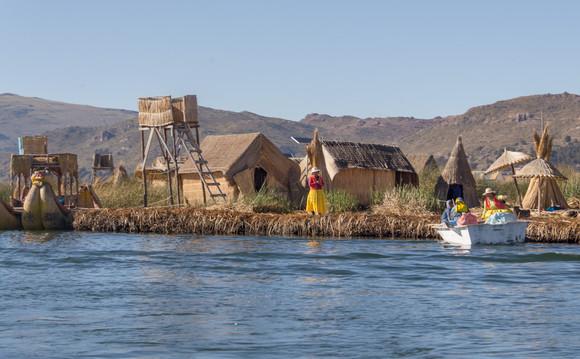 Floating Straw Island