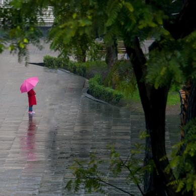 Girl in the rain - Arequipa