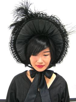 Bonnet (front)