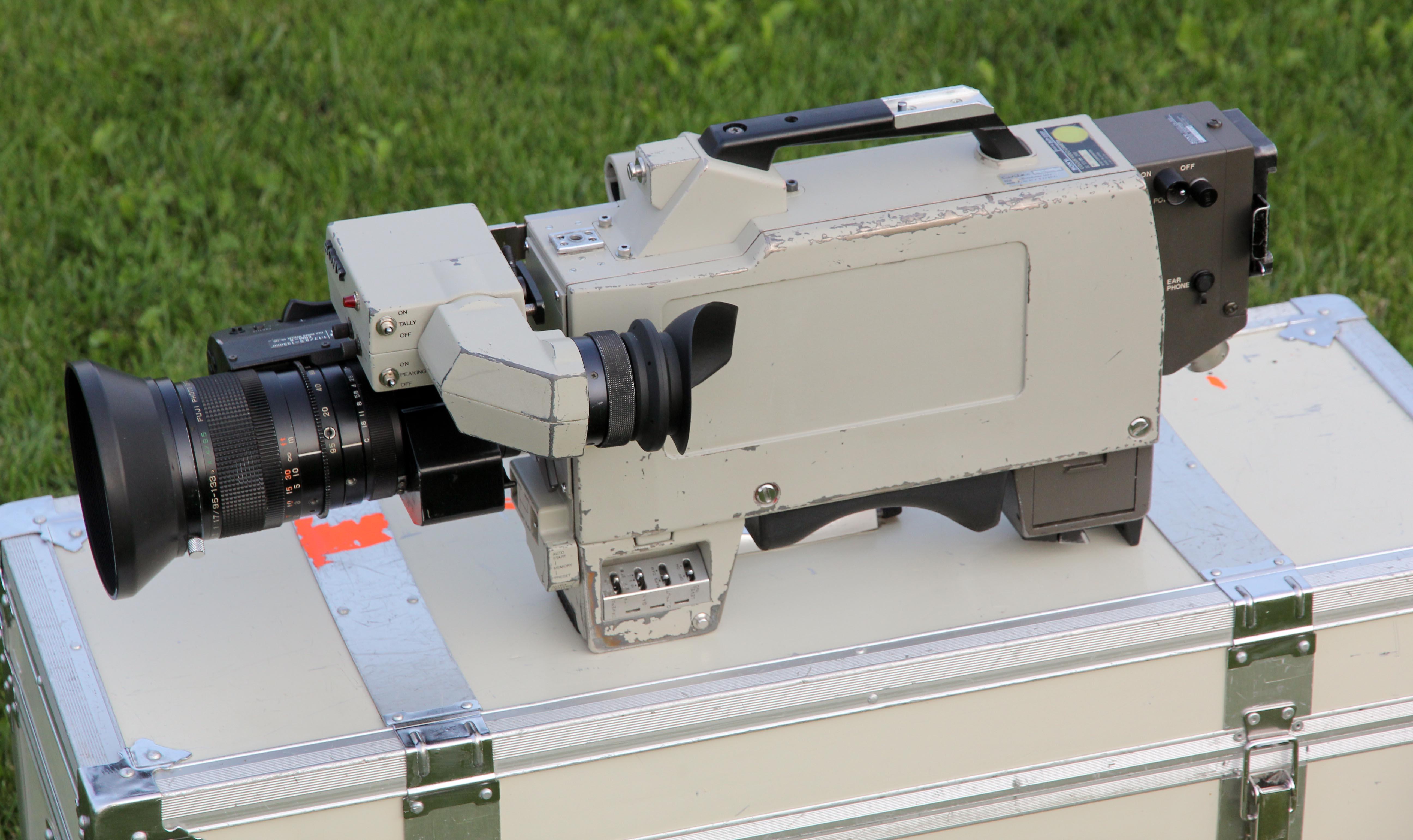 Sony BVP-330P -  (1 von 24)