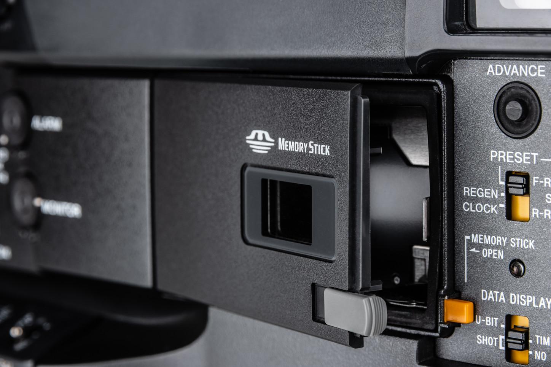 Sony DVW-970P -11.jpg