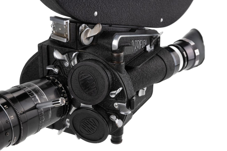 Arriflex 16M - 5.jpg