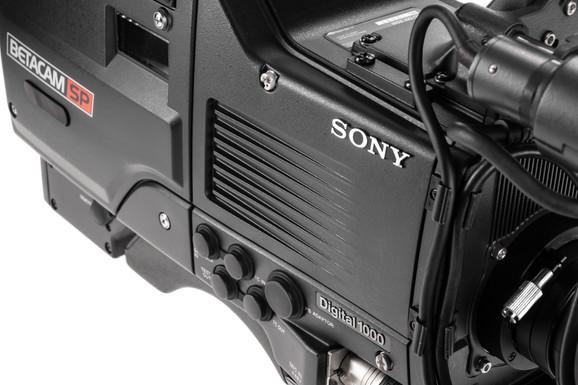 Sony BVW-D600 - 4.jpg
