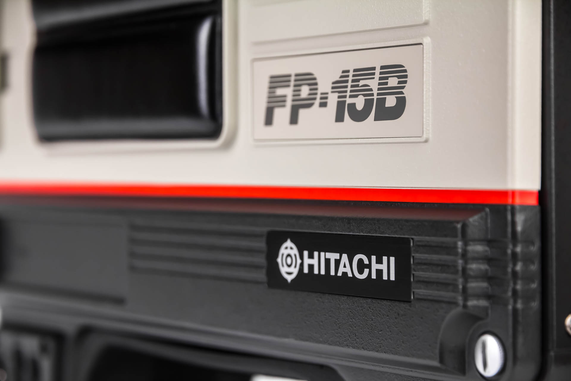 Hitachi FP-125E - web -9