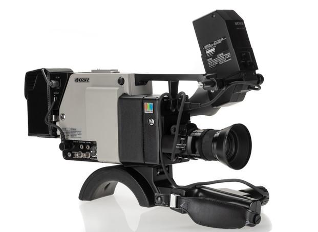 Sony DXC-1800P - 2.jpg