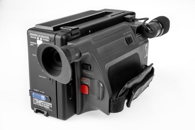 Sony CCD-M8E - 6.jpg