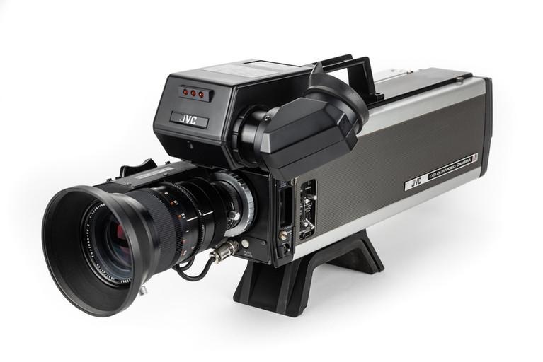 """JVC CY-8800ES - Prosumer 3x 2/3"""" Saticon"""