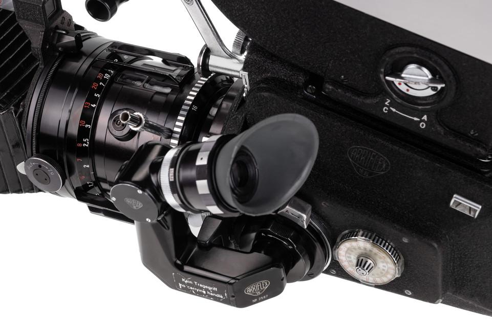 Arriflex 16BL - 9.jpg