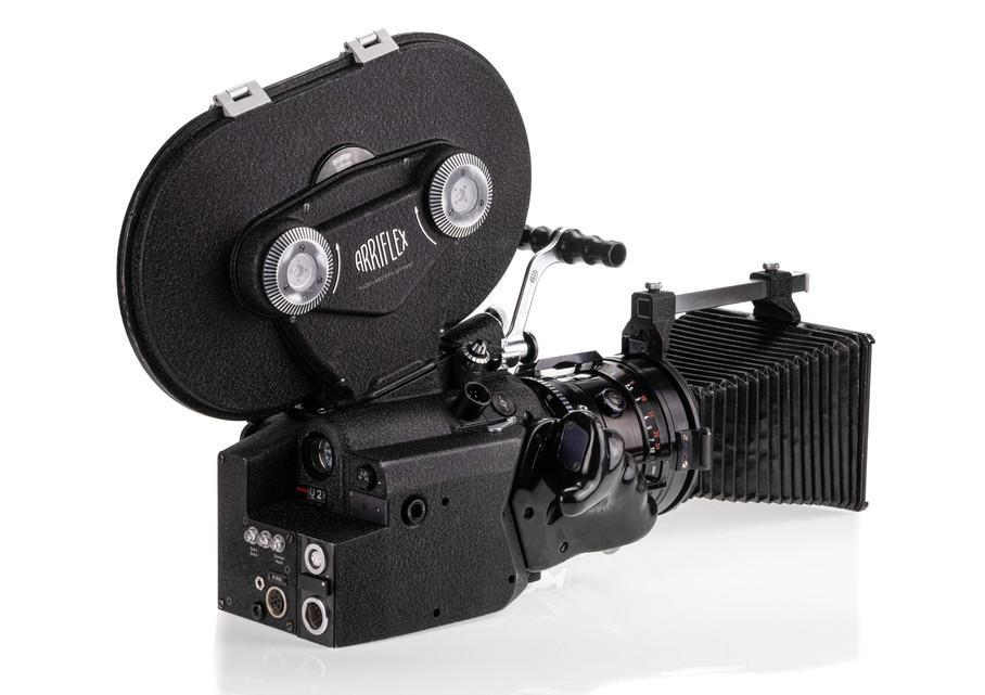Arriflex 16BL - 4.jpg