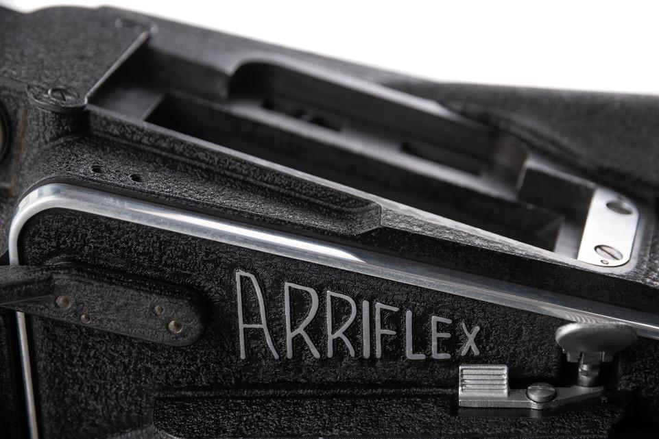 Arriflex 16M - 11.jpg