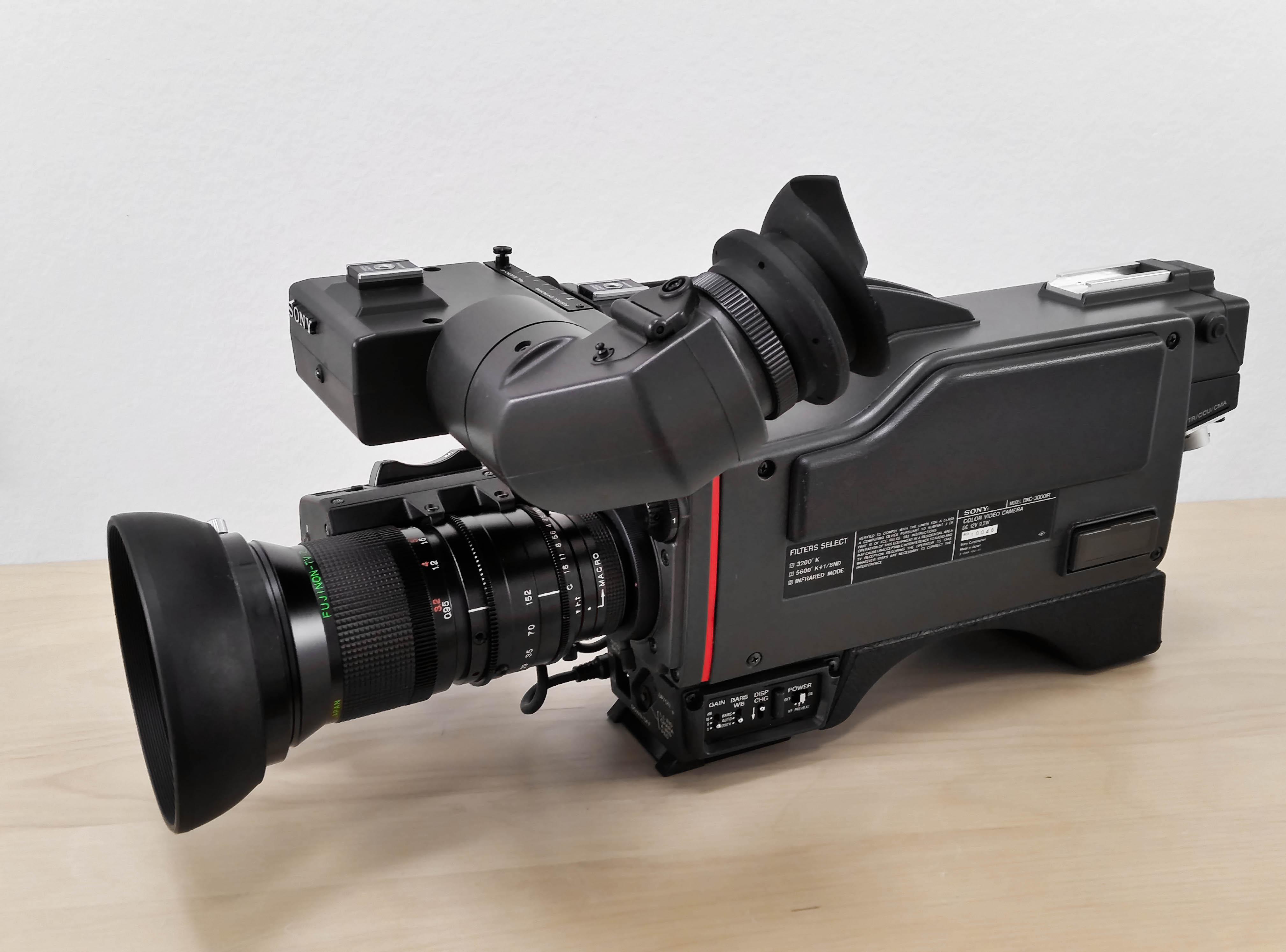 Sony DXC-300IR-4