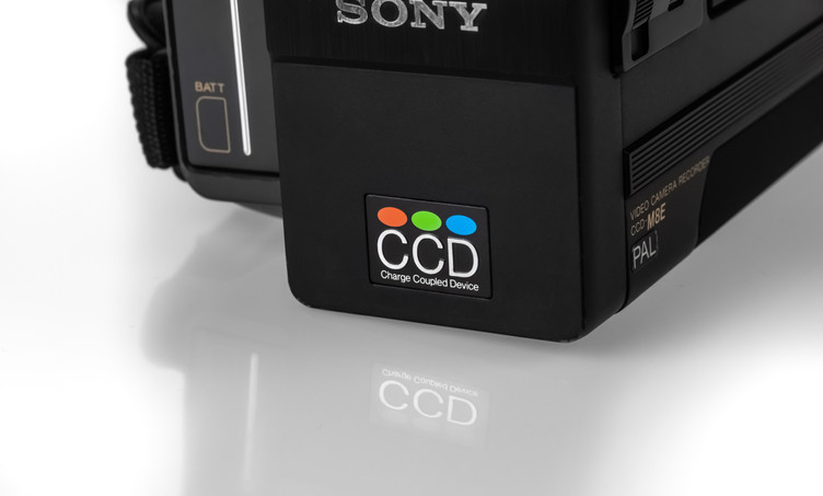 Sony CCD-M8E - 4.jpg