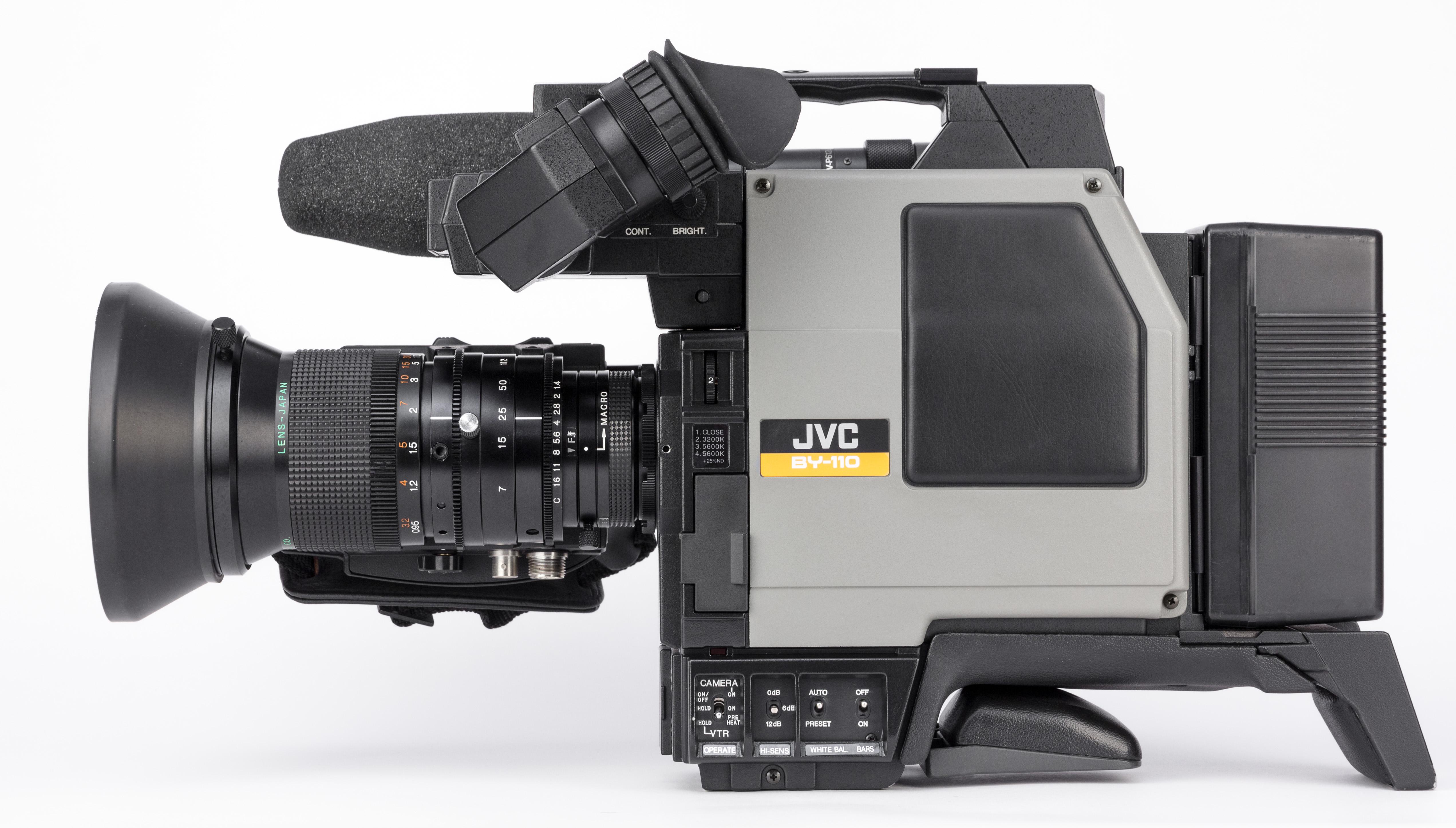 JVC BY 110E -1