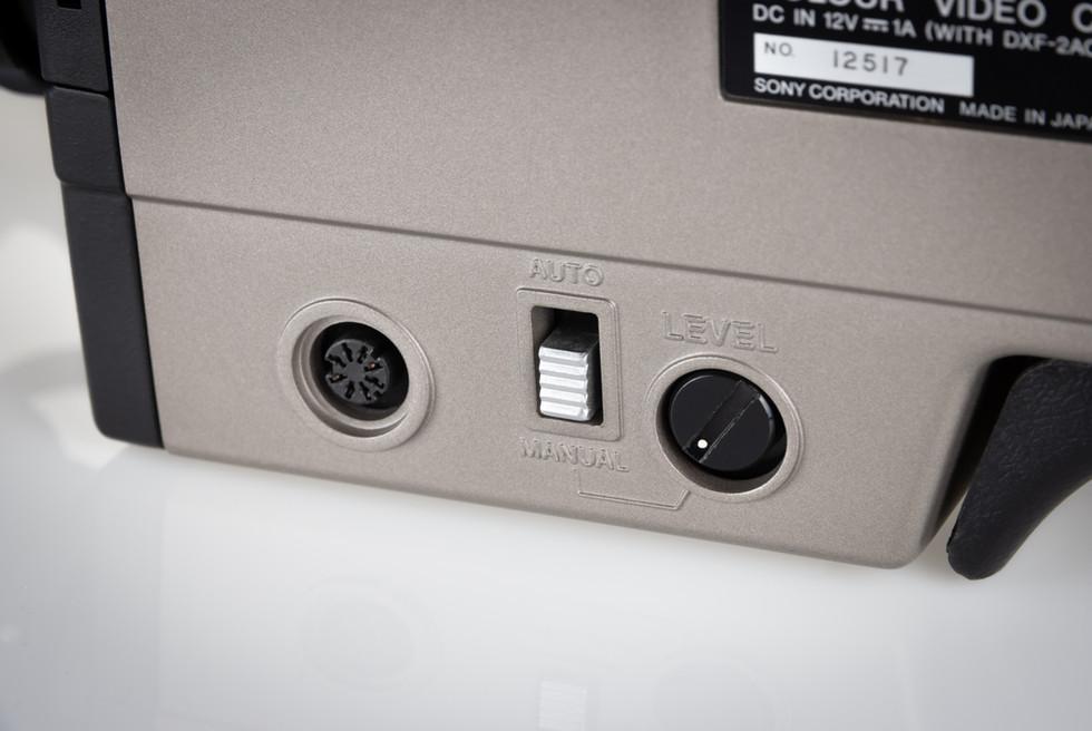 Sony DXC-1640P - 4.jpg