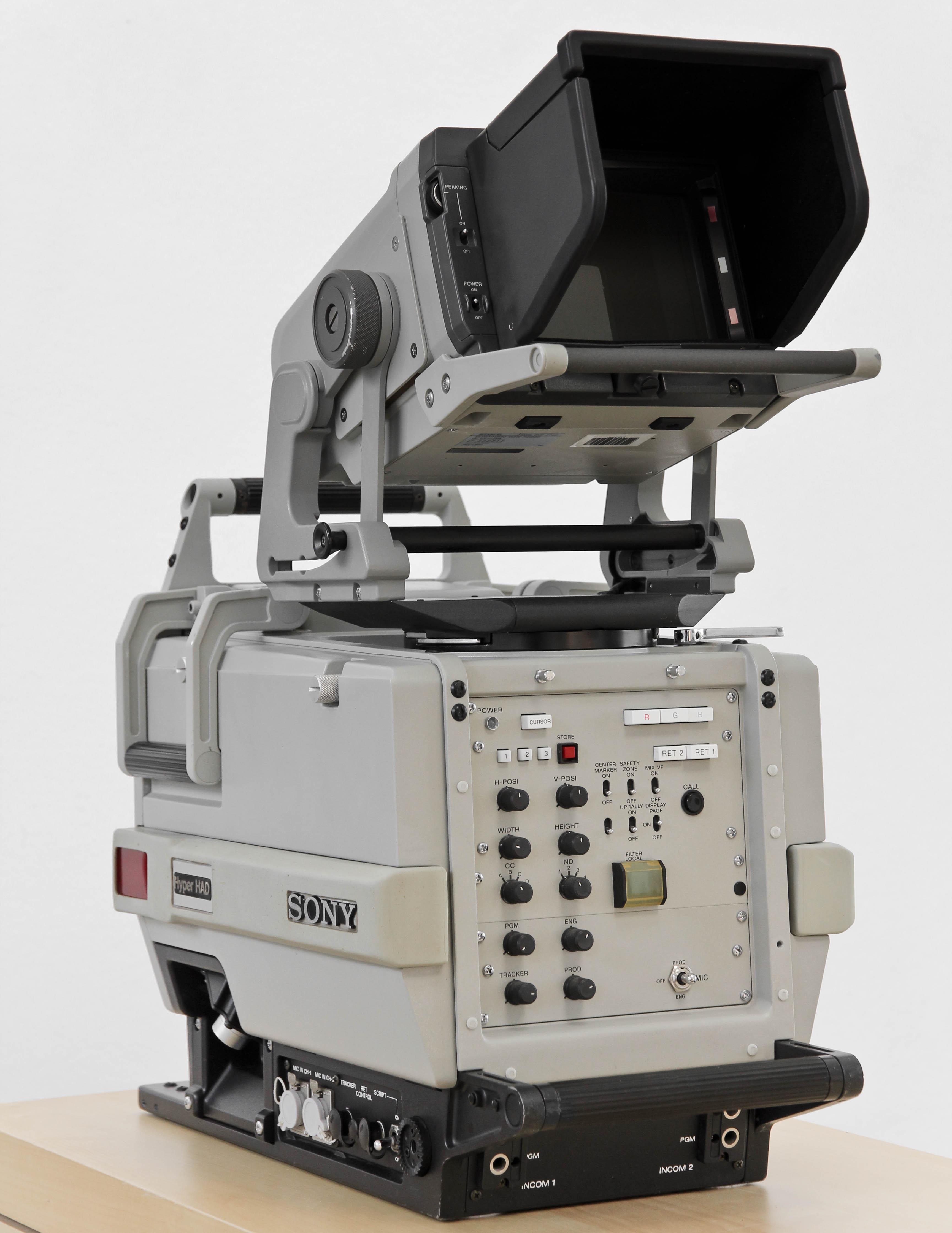 SONY BVP-375P body-9