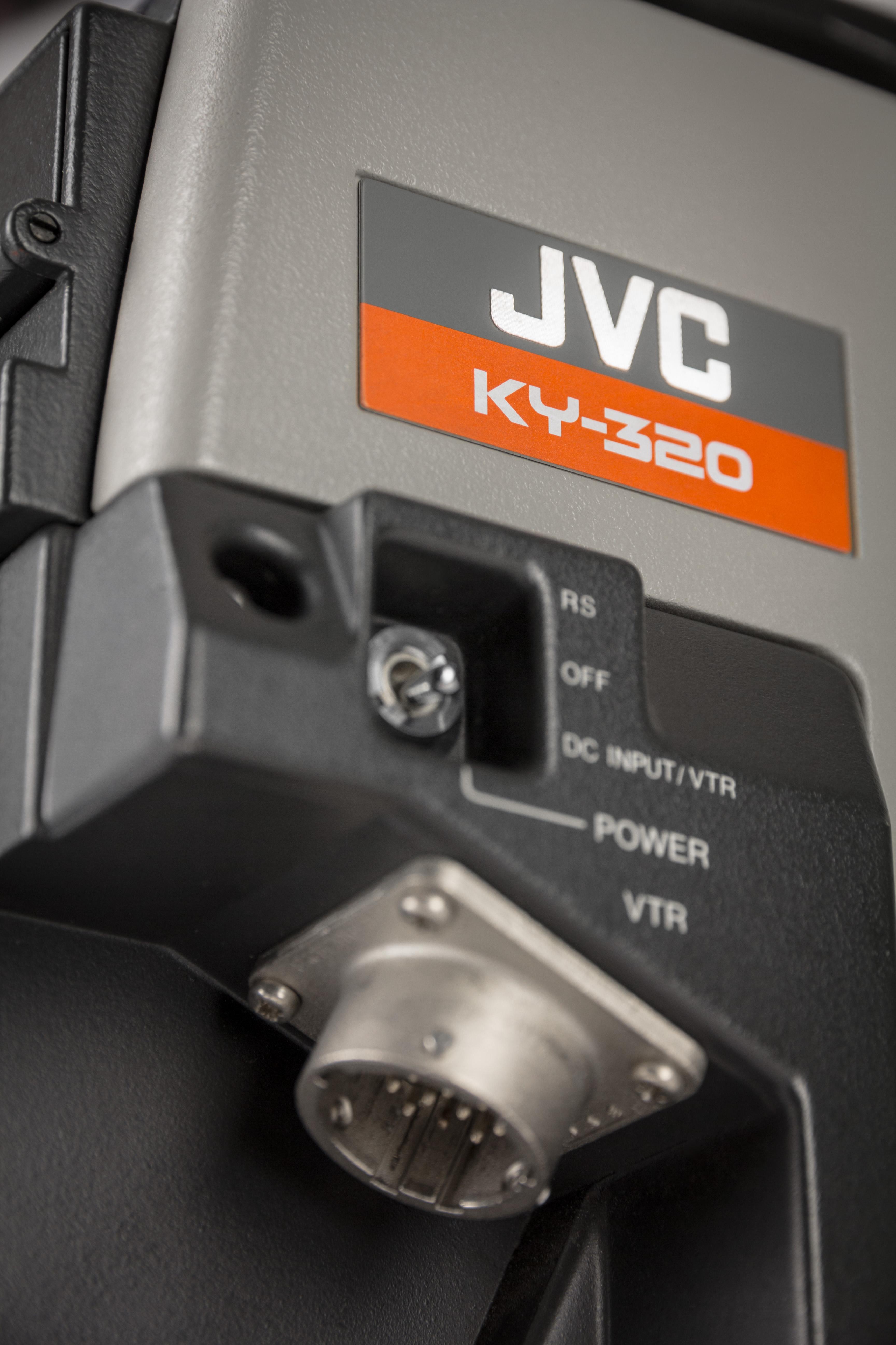 JVC KY-320E