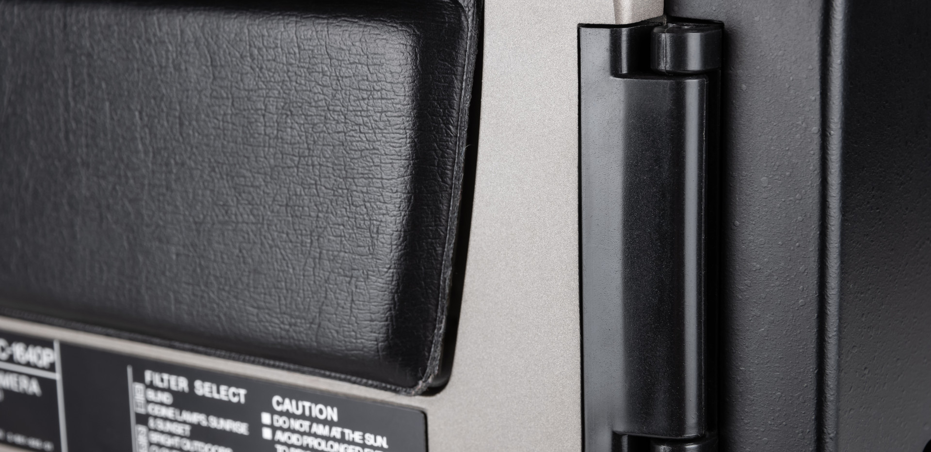 Sony DXC-1640P - 6.jpg
