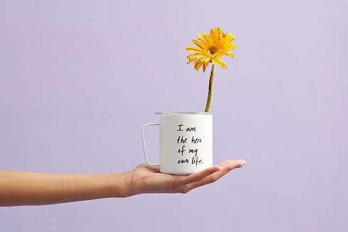 caneca com flor