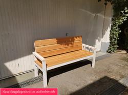 Neue Sitzgelegenheit im Außenbereich