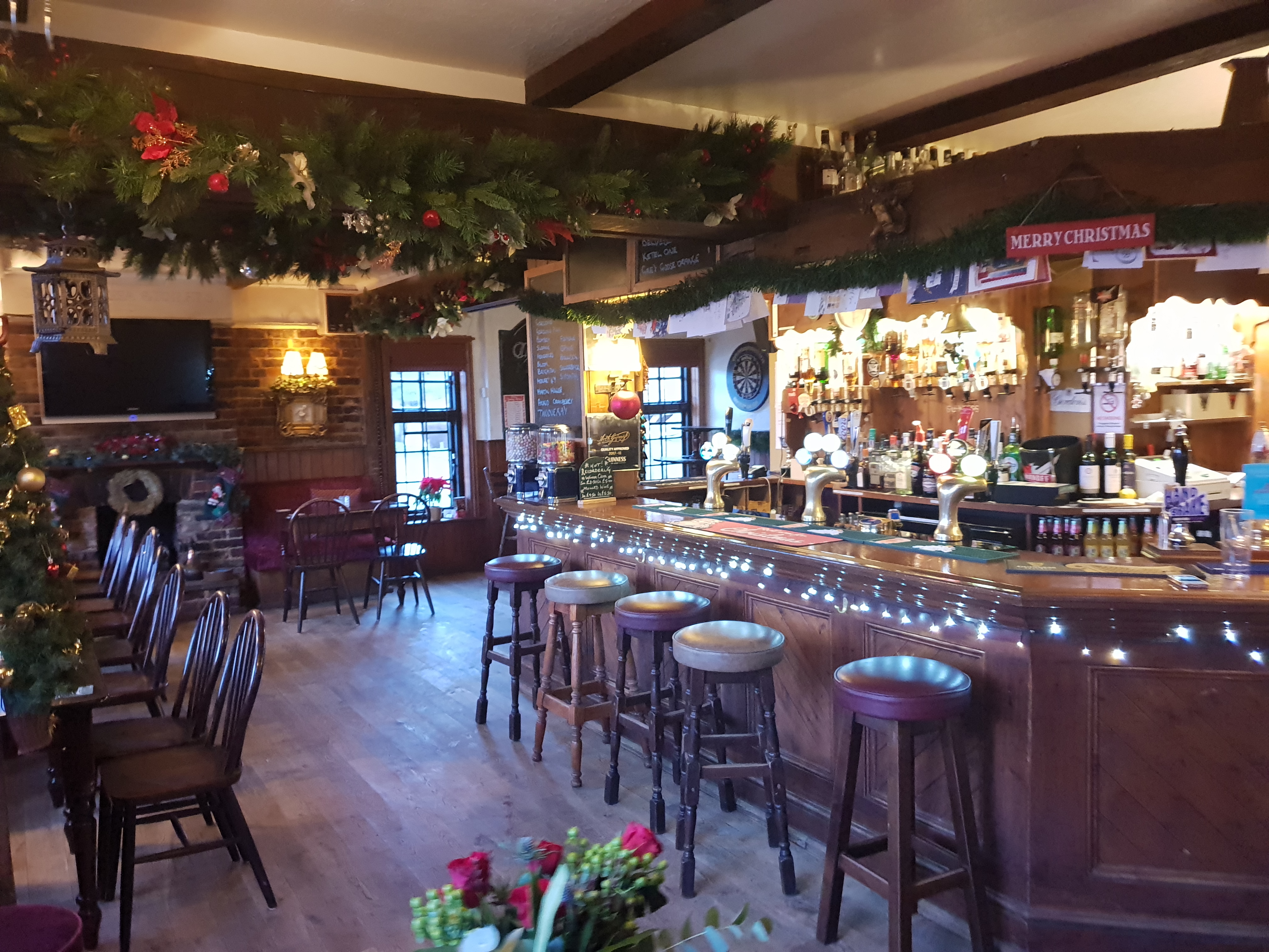 Inside the Holmbush Inn Faygate