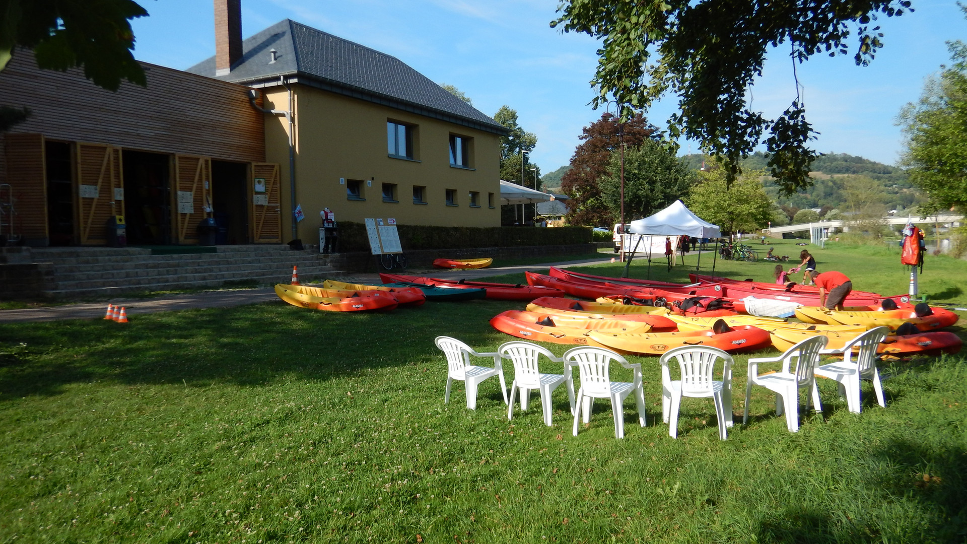 Boote&Halle1.JPG