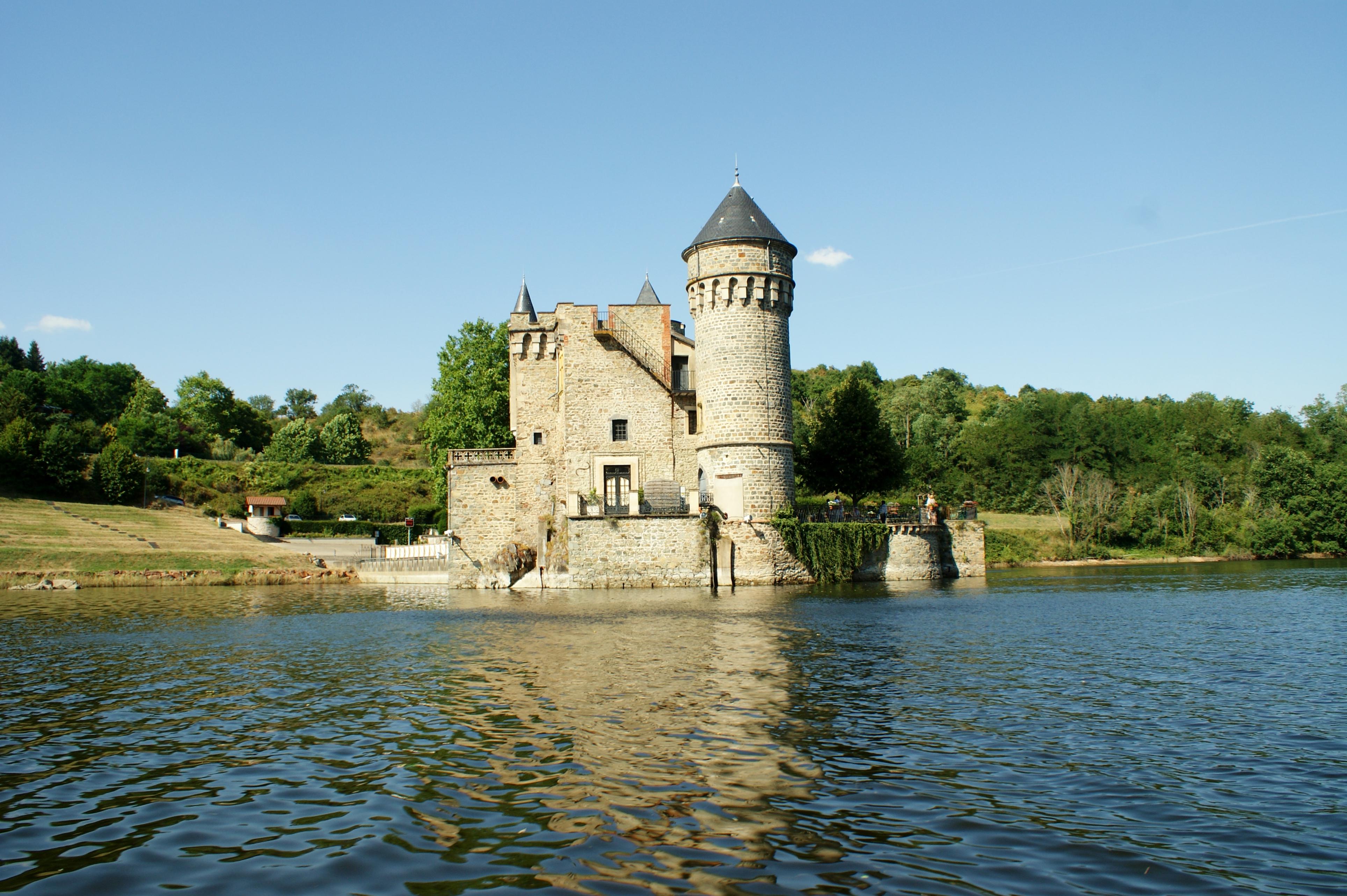 Le Chateau de la Roche