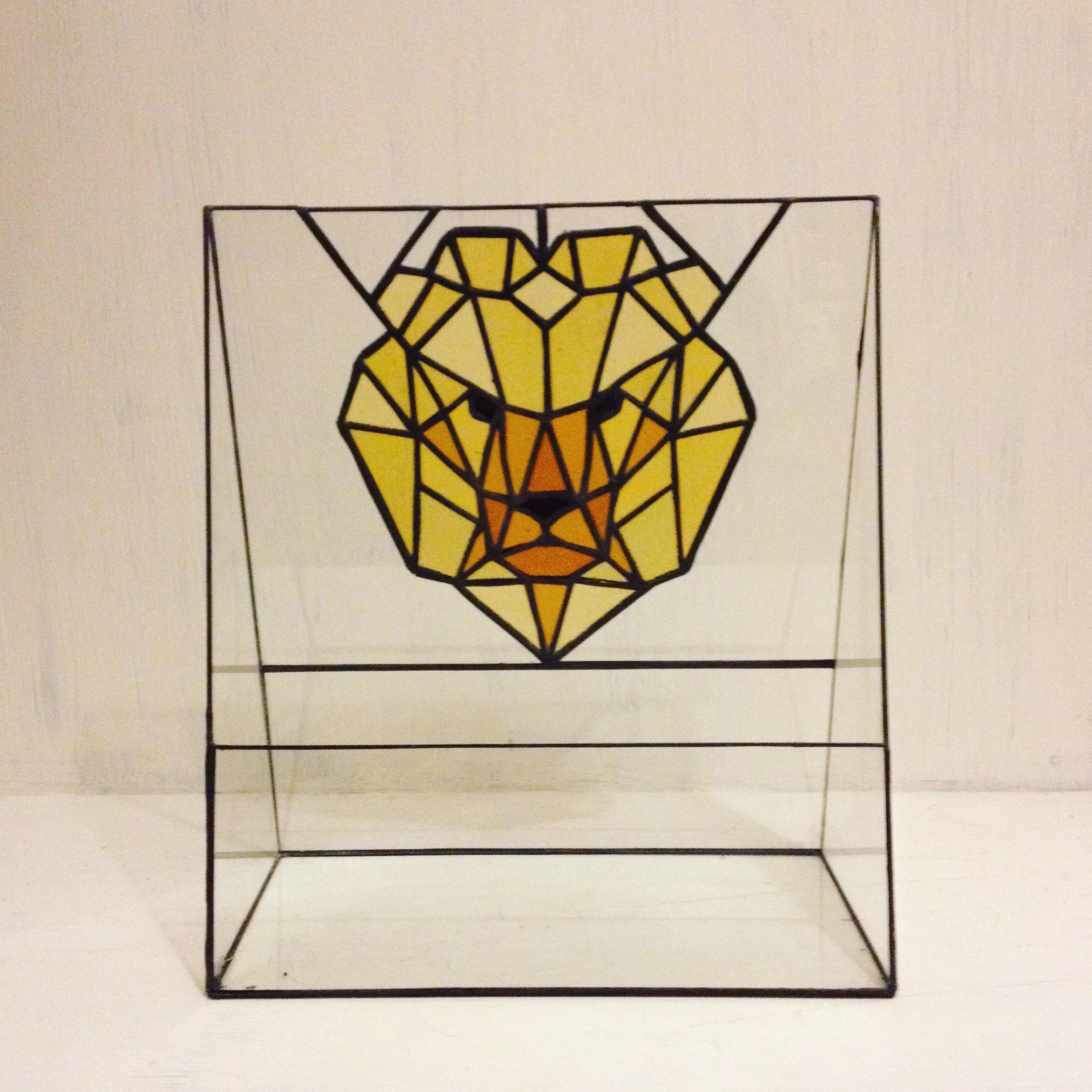 aslan geometrik teraryum fanus