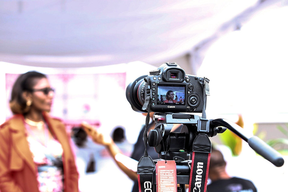 camera-1867184_1920_edited.jpg