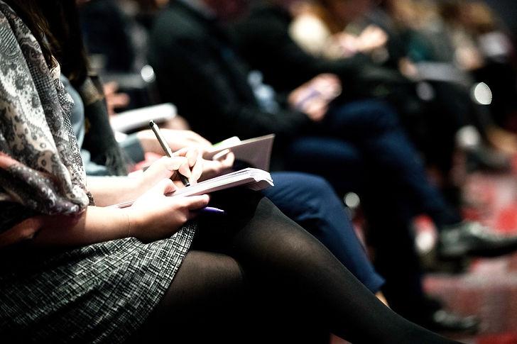 organisation de conférence erika v agence événementielle créative st etienne lyon roanne