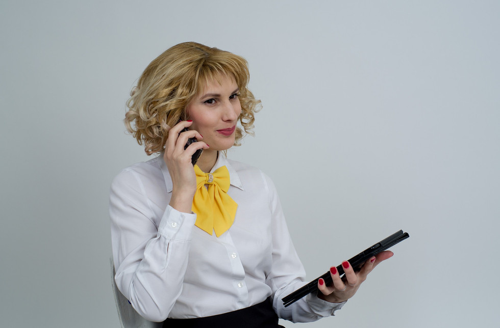 business-woman-2180500_1920.jpg