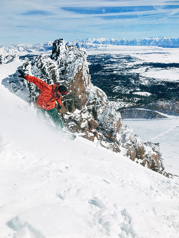 The Ultimate Guide to Skiing in Switzerland | Image by Robson Hatsukami