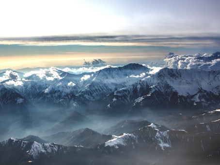 The Mesmerizing beauty of the Himalayas and Mount Everest